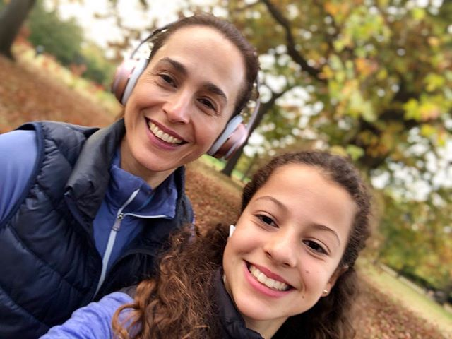 Does not get better … working out with daughter! . #facialexercise #carmefarre #studiocarme #daughterandmummytime #london #lovelive #facepilates #faceyoga #agegracefully